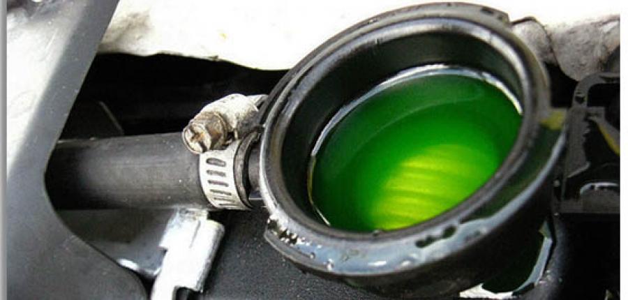 ¿Cuándo debes cambiar el líquido anticongelante?