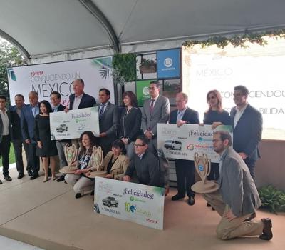"""Toyota premió a los ganadores de la segunda edición de """"Conduciendo un México Mejor"""""""