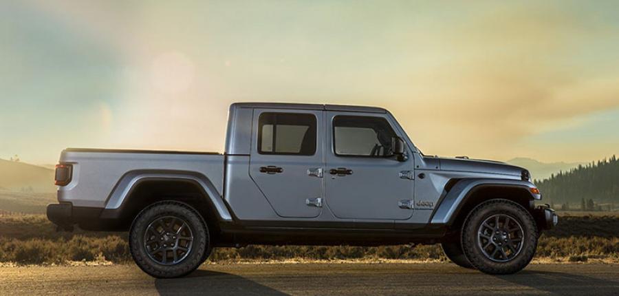 Jeep® Gladiator 2020 se presentó en el legendario Festival de Liwa