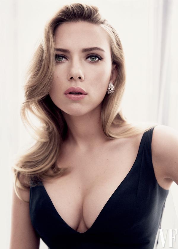 Es famosa por su papel de La Viuda Negra en Avengers