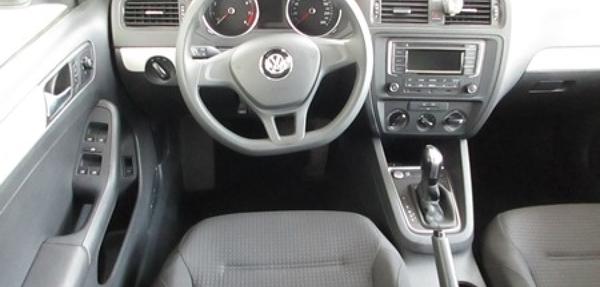Volkswagen Jetta Lateral derecho 6
