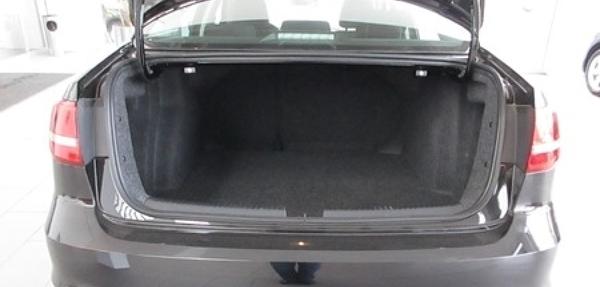 Volkswagen Jetta Interior 4