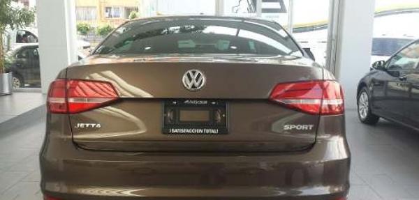 Volkswagen Jetta Lateral izquierdo 5