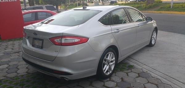 Ford Fusion Arriba 10