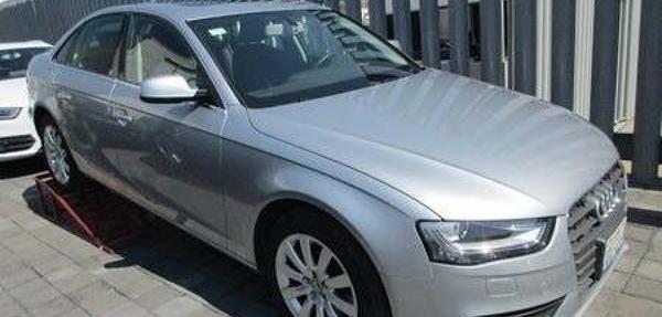 Audi A4 Atrás 1