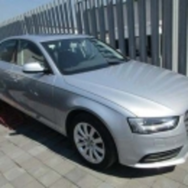 Audi A4 2.0L T Luxury (225hp) 2015