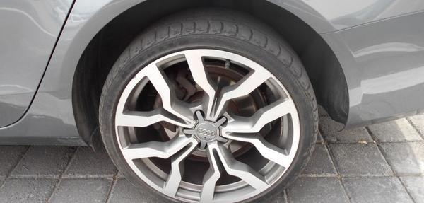 Audi A4 Lateral derecho 8