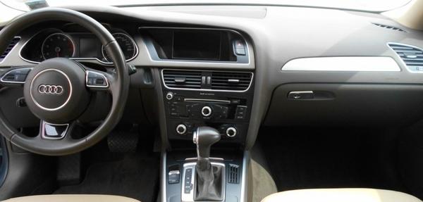 Audi A4 Lateral izquierdo 3