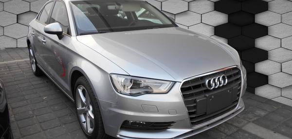 Audi A3 Lateral izquierdo 11