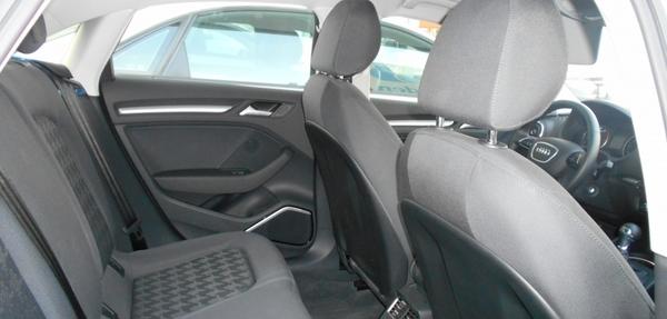 Audi A3 Lateral derecho 6