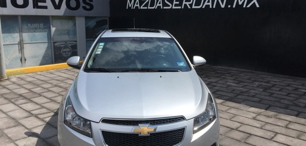 Chevrolet Cruze Atrás 2