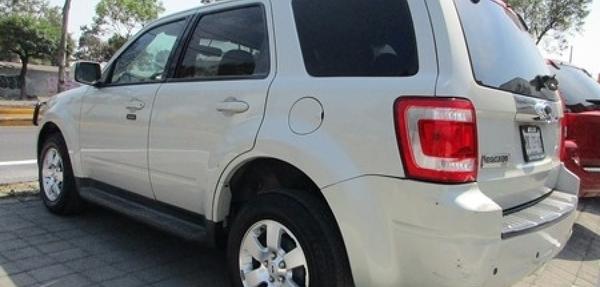 Ford Escape Arriba 10