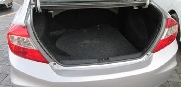 Honda Civic Atrás 5