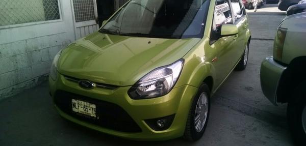 Ford Ikon Arriba 9
