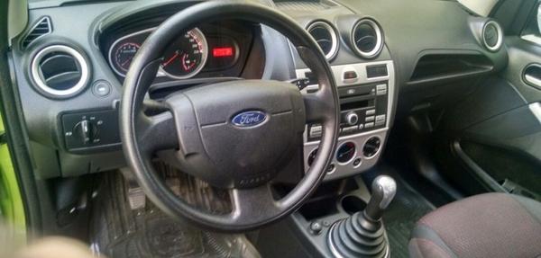 Ford Ikon Frente 5