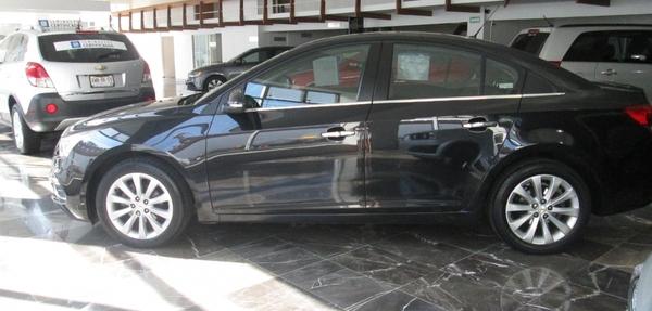Chevrolet Cruze Atrás 4