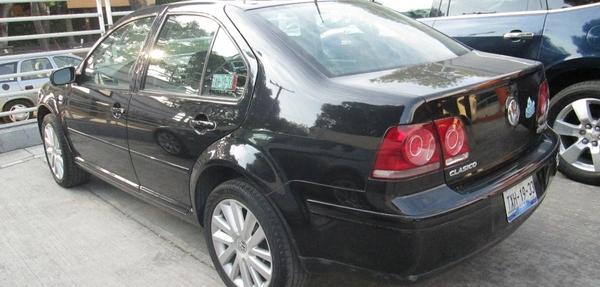 Volkswagen Jetta Lateral derecho 1