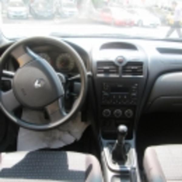 Renault Scala Lateral derecho 7
