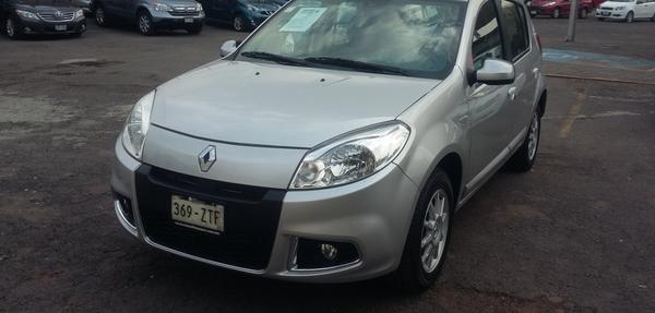 Renault Sandero Arriba 1