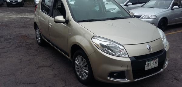 Renault Sandero Dynamique 2012