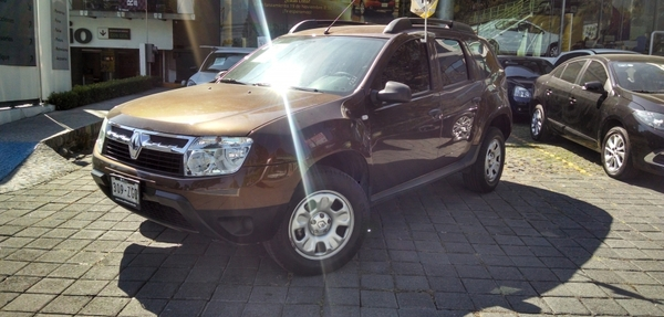 Renault Duster Lateral derecho 11