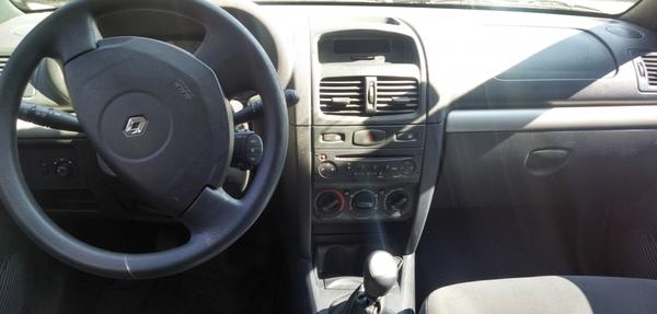 Renault Clio Frente 6