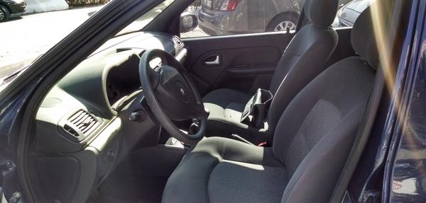 Renault Clio Lateral derecho 5