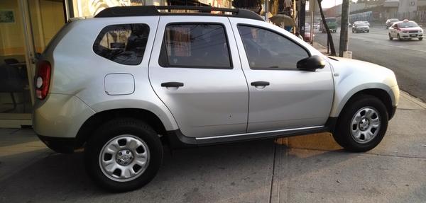 Renault Duster Frente 9