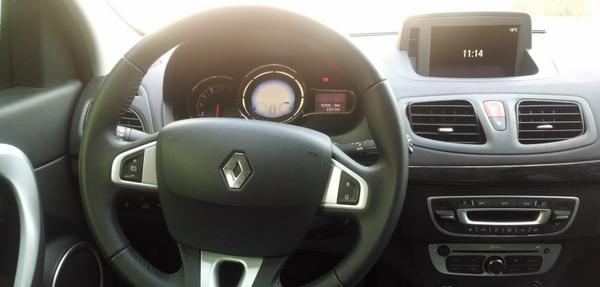 Renault Fluence Lateral derecho 4