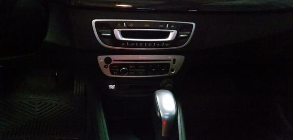 Renault Fluence Lateral izquierdo 2