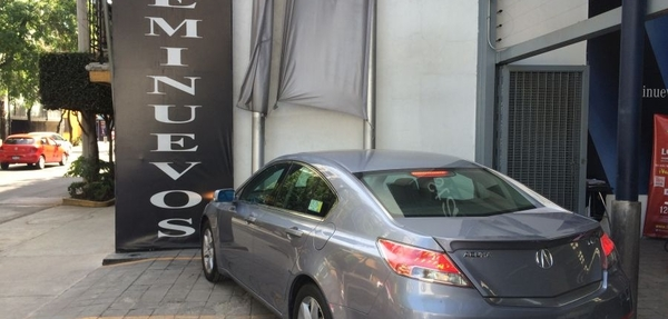 Acura TL Lateral izquierdo 7