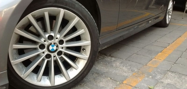 BMW Serie 3 Lateral izquierdo 1