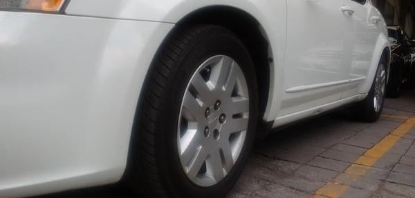 Dodge Avenger Lateral derecho 5