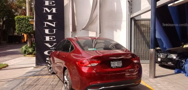 Chrysler 200 Arriba 6