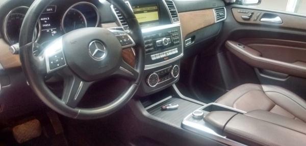 Mercedes Benz Clase M Lateral izquierdo 5