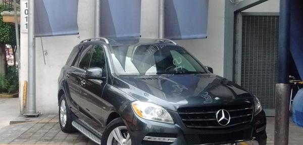 Mercedes Benz Clase M Lateral izquierdo 13