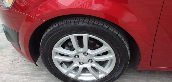 Chevrolet Sonic Lateral izquierdo 7