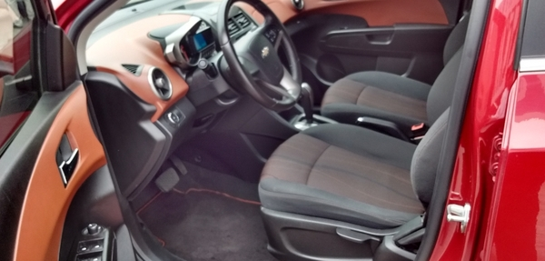 Chevrolet Sonic Frente 6