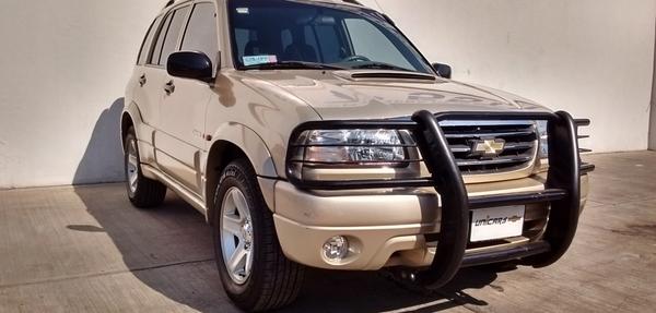 Chevrolet Tracker Lateral izquierdo 12