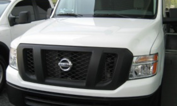 Nissan NV 2500 Frente 6