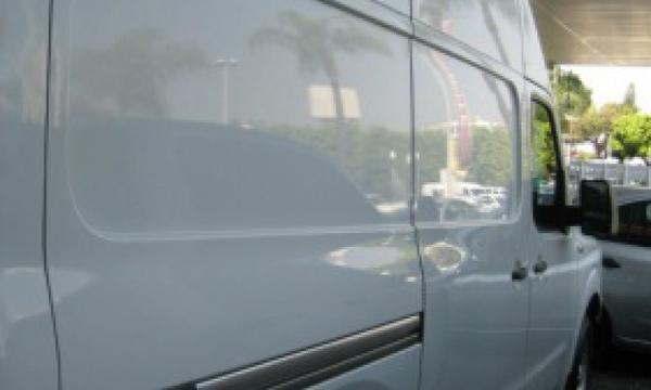 Nissan NV 2500 Interior 5