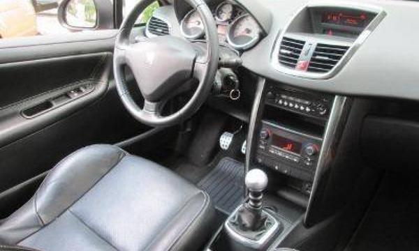 Peugeot 207 Lateral izquierdo 4