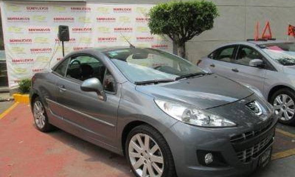 Peugeot 207 Lateral derecho 1