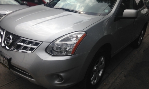 Nissan Rogue Lateral izquierdo 9
