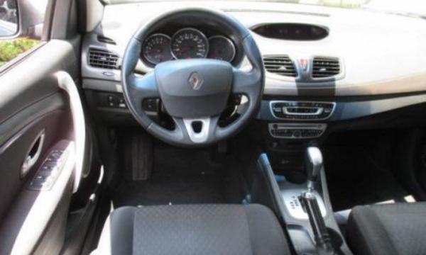 Renault Fluence Frente 6