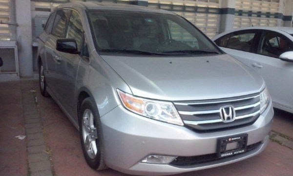 Honda Odyssey Atrás 4