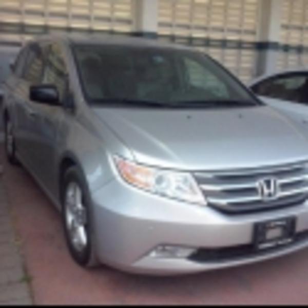 Honda Odyssey Lateral derecho 2