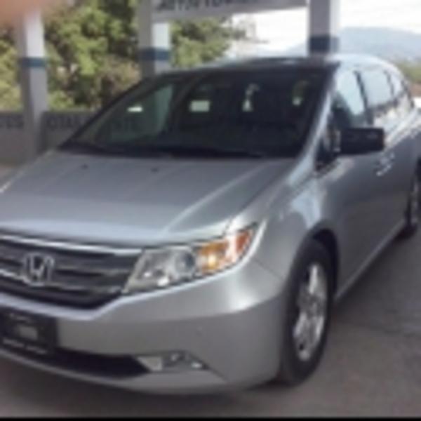 Honda Odyssey Frente 3
