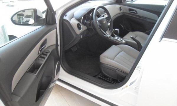 Chevrolet Cruze Frente 5