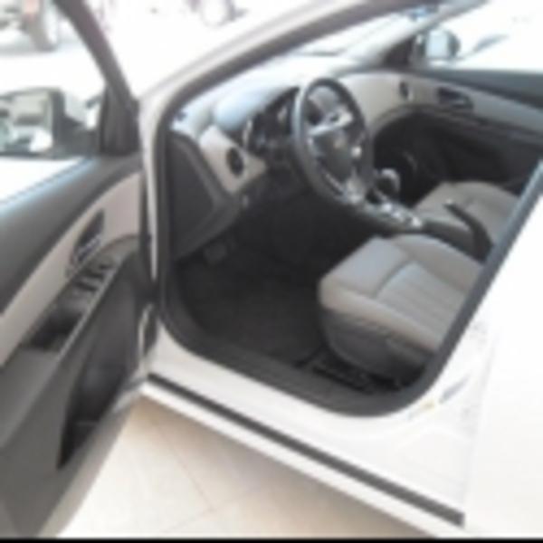 Chevrolet Cruze Arriba 5